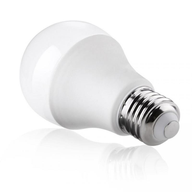 LAMPADA LED 9W ATTACCO E27 LUCE BIANCA