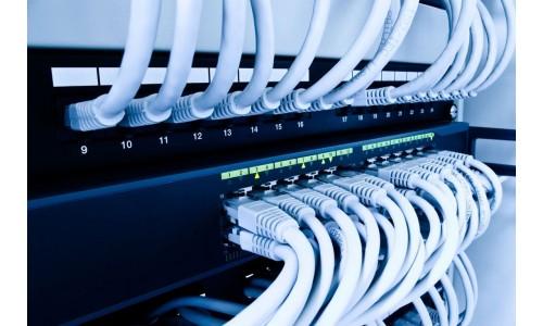Prodotti riguardanti il networking, reti di computer. Switch, patch